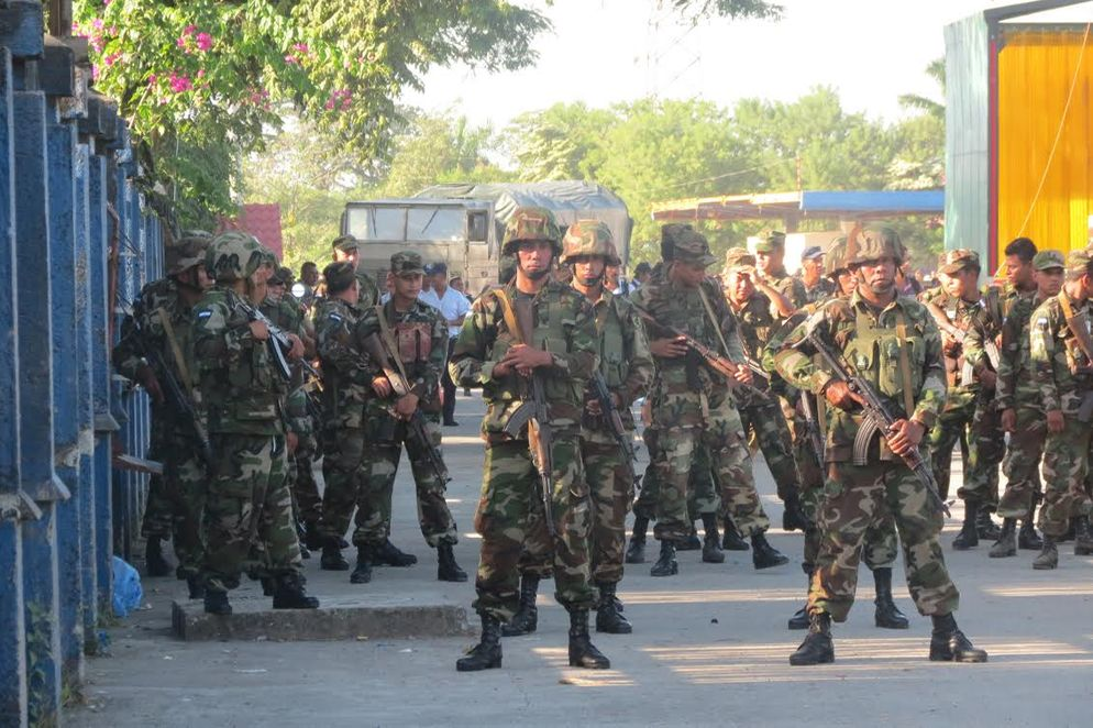 Nicaragua army has been deployed at the Costa Rica - Nicaragua norder at Peñas Blancas to keep Cuban migrants out of their country