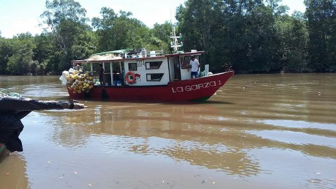 The fishing boat La Garza 1 reported the fall of the meteorite to authorities. Photo La Prensa