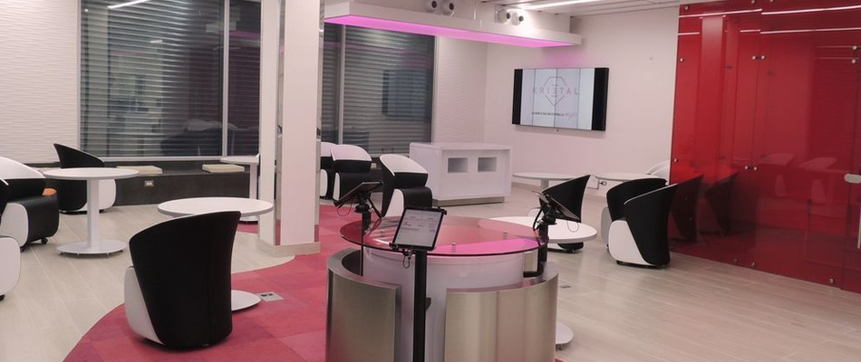 """Banca Kristal, dubbed the """"Barbie bank"""" by critics for its pink decor"""