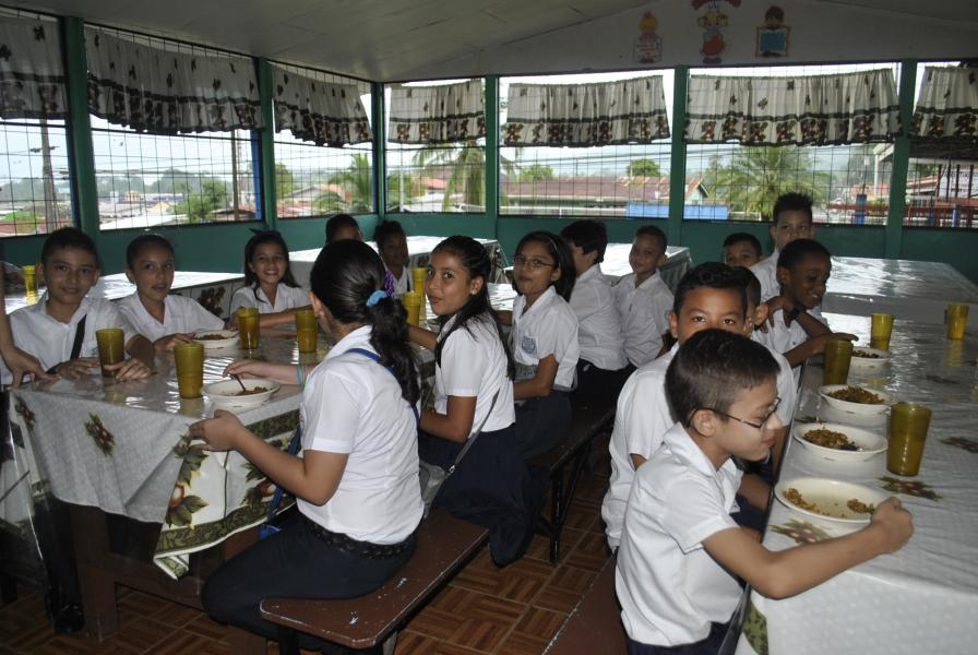 Ministry of Education is keeping lunch rooms at public schools during the school break, from December to February