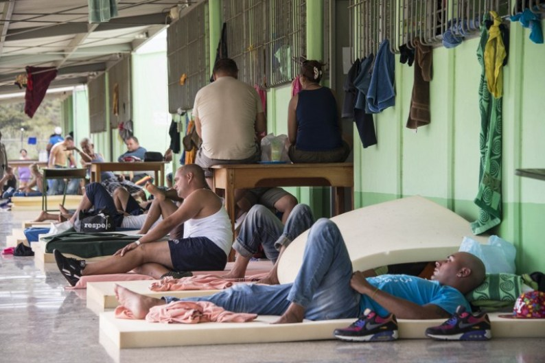 Cuban migratints stranded in Costa Rica making do while politicians resolve the situation