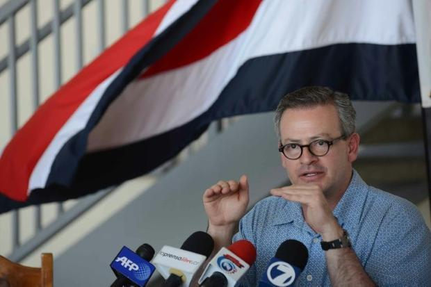 <em>Costa Rican Foreign Minister Manuel Gonzalez gives a press conference at the Liberia international airport in Guanacaste on December 29, 2015</em>