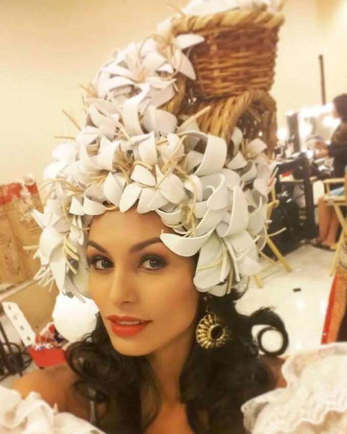 sombrero-traje-simula-flores-planta_LNCIMA20151208_0125_1