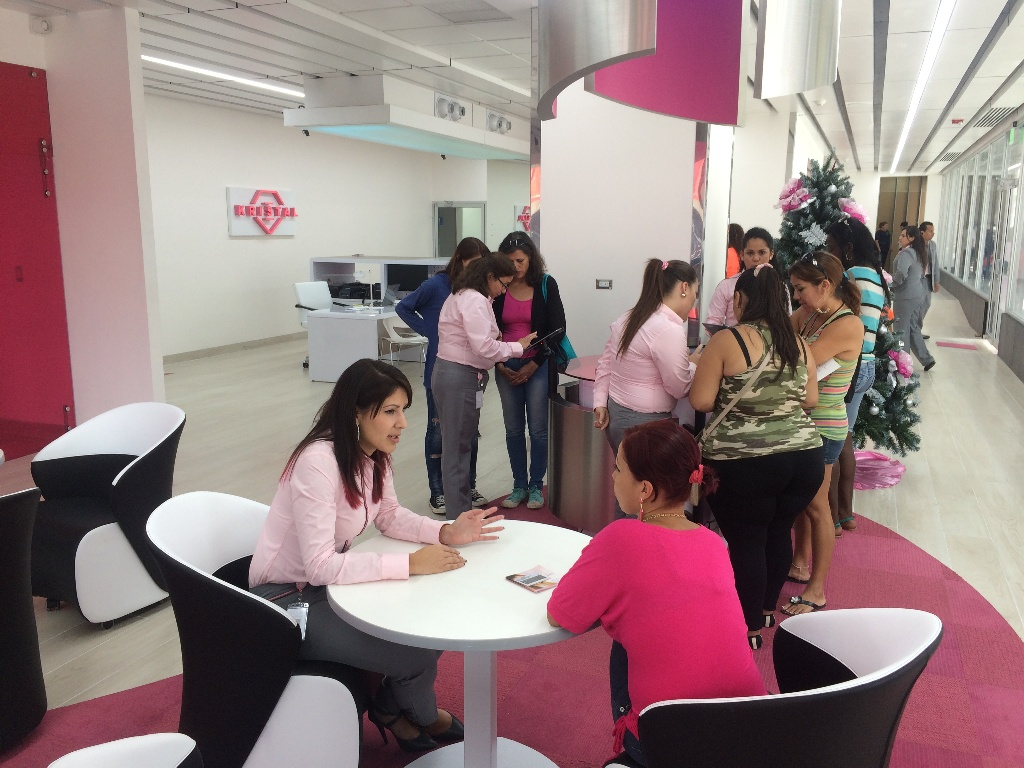 The Banca Kristal was created by the Banco de Costa Rica (BCR) to cater exclusively to women