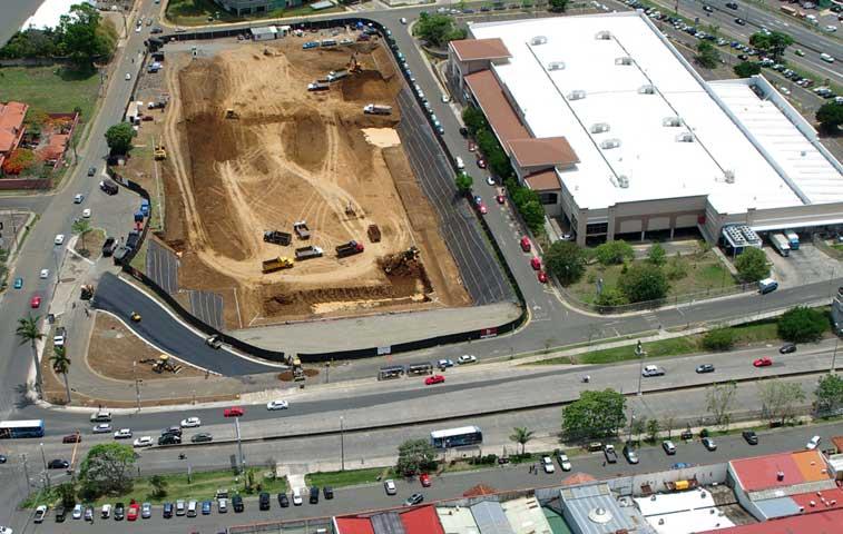 Escazú-Village-construcción