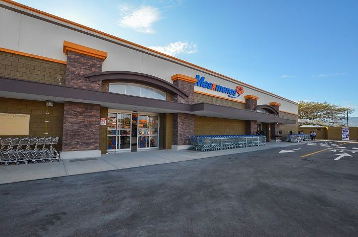 Masxmenos is Walmart's upper scale supermarket in the country