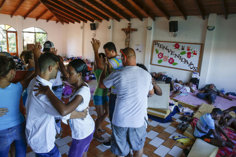 The First Group of 180 Cuban Migrants To Leave Costa Rica Has Been Selected