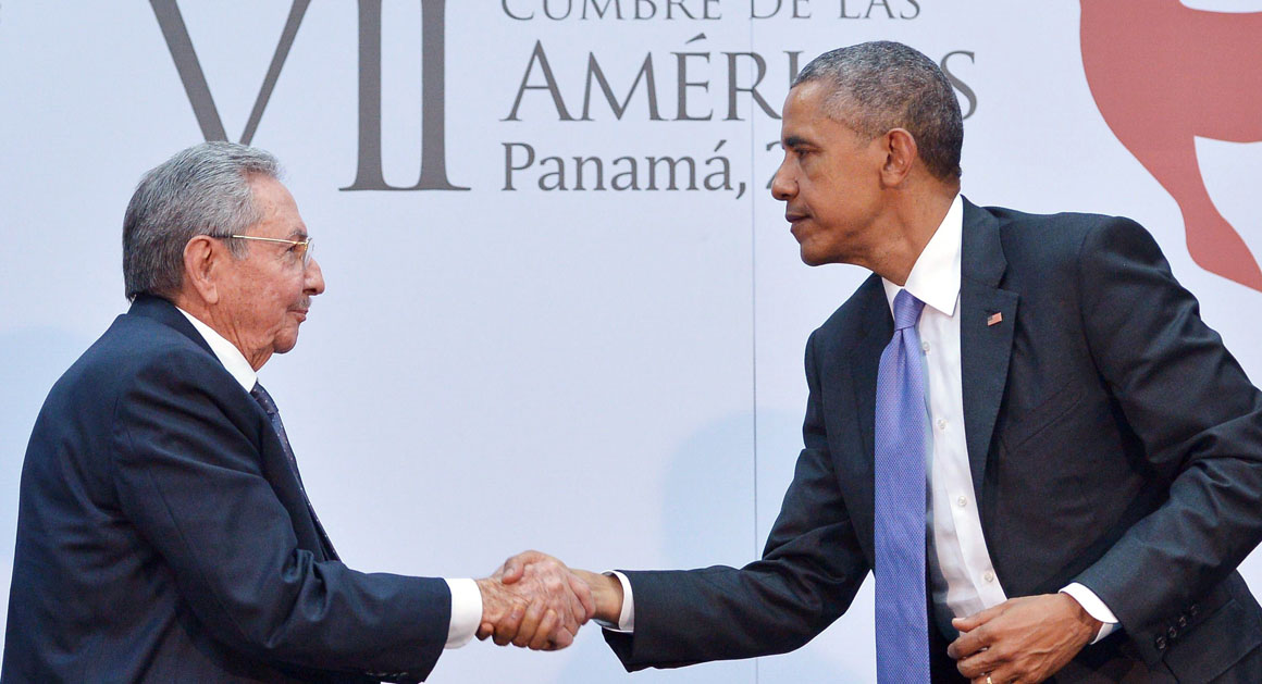 US President Barack Obama (R) shakes hands with Cuba's President Raul Castro during a meeting on the sidelines of the Summit of the Americas at the ATLAPA Convention center on April 11, 2015 in Panama City. AFP PHOTO/MANDEL NGAN        (Photo credit should read MANDEL NGAN/AFP/Getty Images)