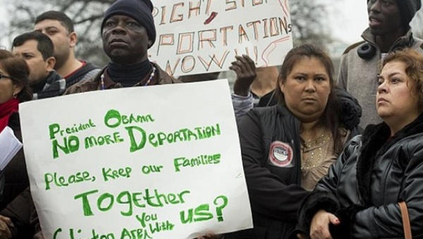 Immigrants and their supporters protest against planned raids to deport undocumented immigrants in Washington, D.C. | Photo: AFP