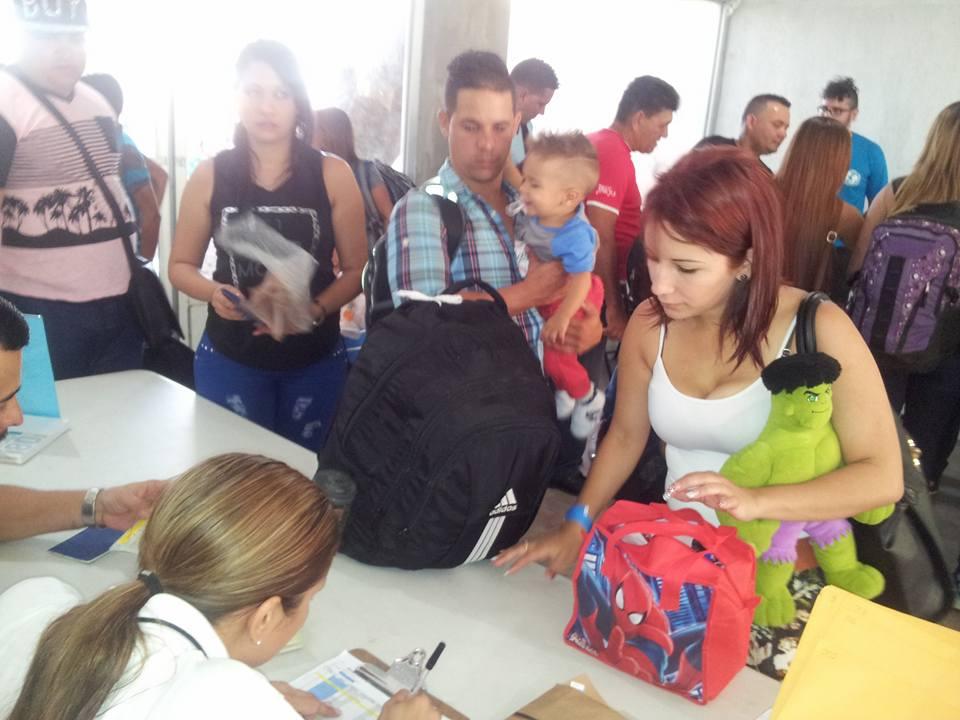 familias-evidente-Cruz-Guanacaste-Salvador_LNCIMA20160204_0172_1