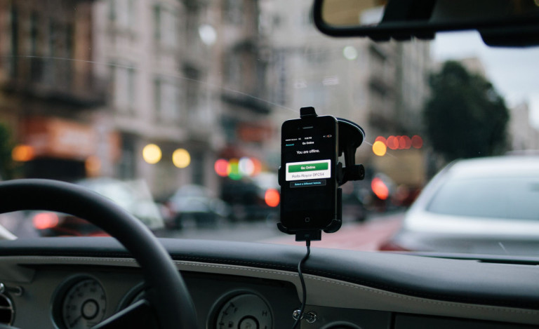 """Taxi Drivers Looking For """"Geek"""" To Block The Uber App"""