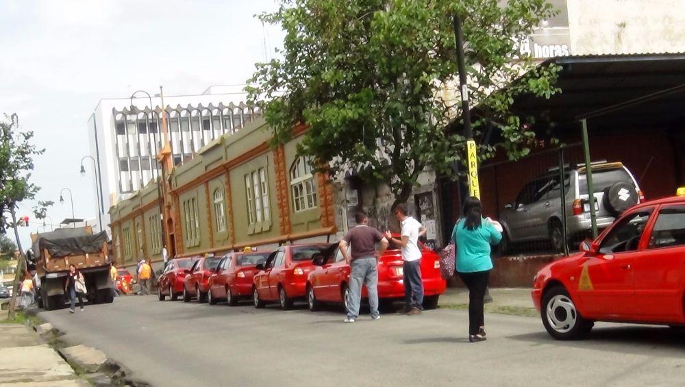 Arreglo-calles-taxis-San-Jose
