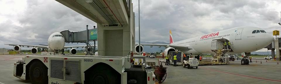 Two of Iberia's A340 side-by-side at the San Jose airport