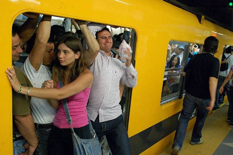 Argentinians Pay Twice the Price of Transport Services