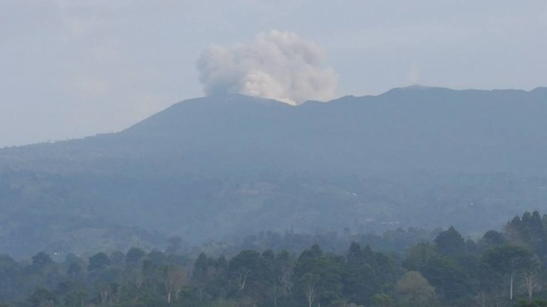 Turrialba With Up To 5 Eruptions Per Hour This Tuesday Morning
