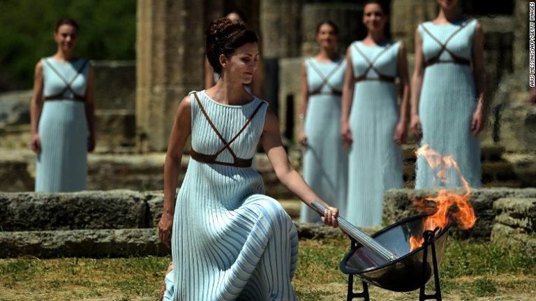 Olympic Flame Starts Tour in Minas Gerais, Brazil