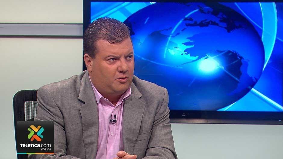 doctor Rodrigo Marín, coordinador del programa de control de vectores del Ministerio de Salud,