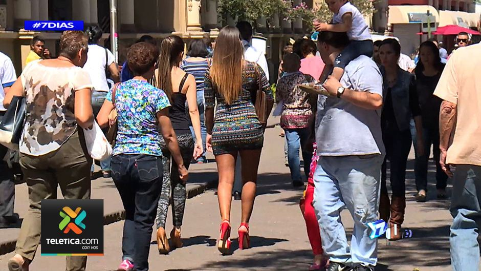 Screen capture of Telenoticias 7 dias report on street harassmnent