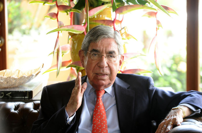 Oscar Arias: Will He Or Won't He?