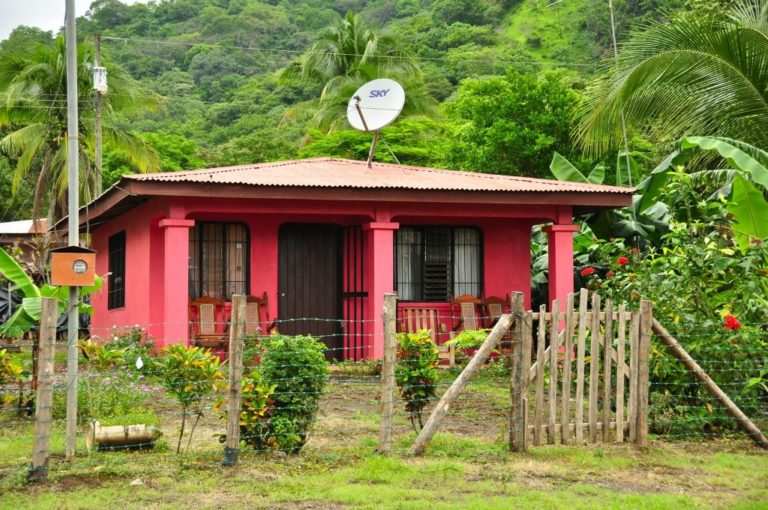 Dont Let Thieves Steal Your Land in Costa Rica (Video)