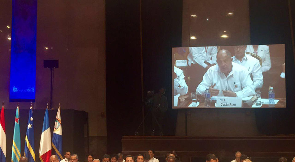 In Cuba, President Luis Guillermo Solis addressing the Association of Caribbean States (ACS). Photo Presidencia