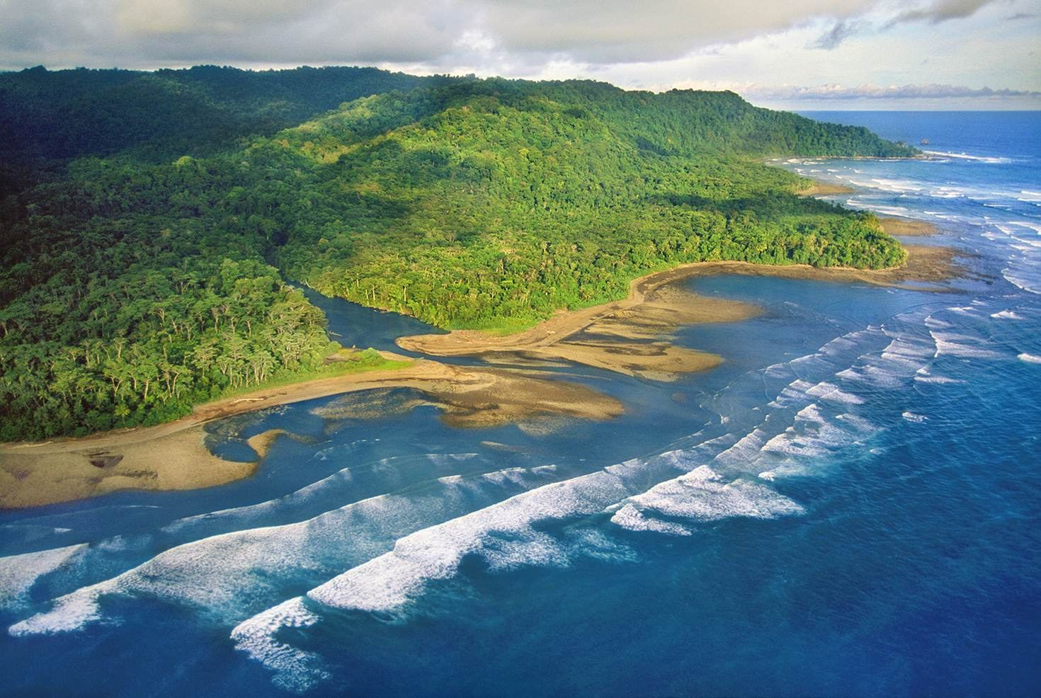 The coastline of the Osa Peninsula © Mint Images - Frans Lanting / Getty Images