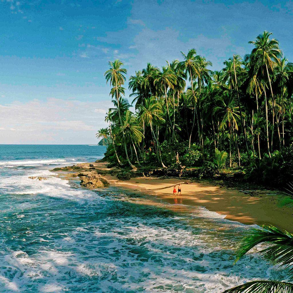 D0DJ7D Manzanillo, Costa Rica; Caribbean Coast beach, below Puerto Viejo. Photo from www.travelandleisure.com