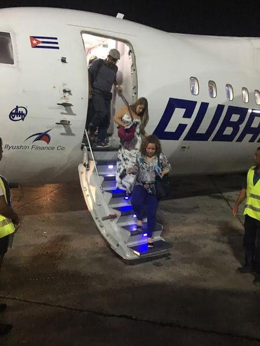 En la imagen con fecha del domingo 10 de julio cuando turistas llegaron a Cuba. Este domingo 17 estimaban salir de la isla. (Grettel Muñoz para LN)