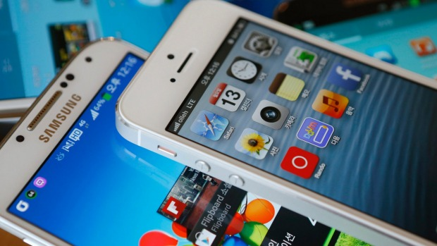 The top cellphone companies, Samsung and Apple, launch new flagship phone models at least once every year.