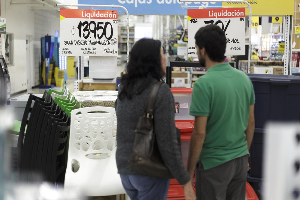 EPA is among the many retailers offering liquidation prices in September.