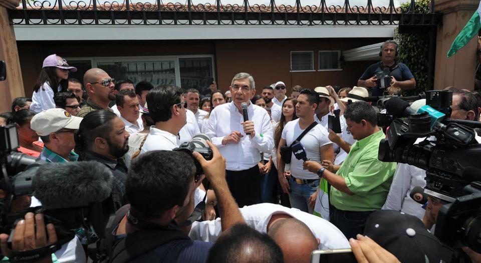Manifestacion-casa-expresidente-Oscar-Arias_LNCIMA20160813_0076_5
