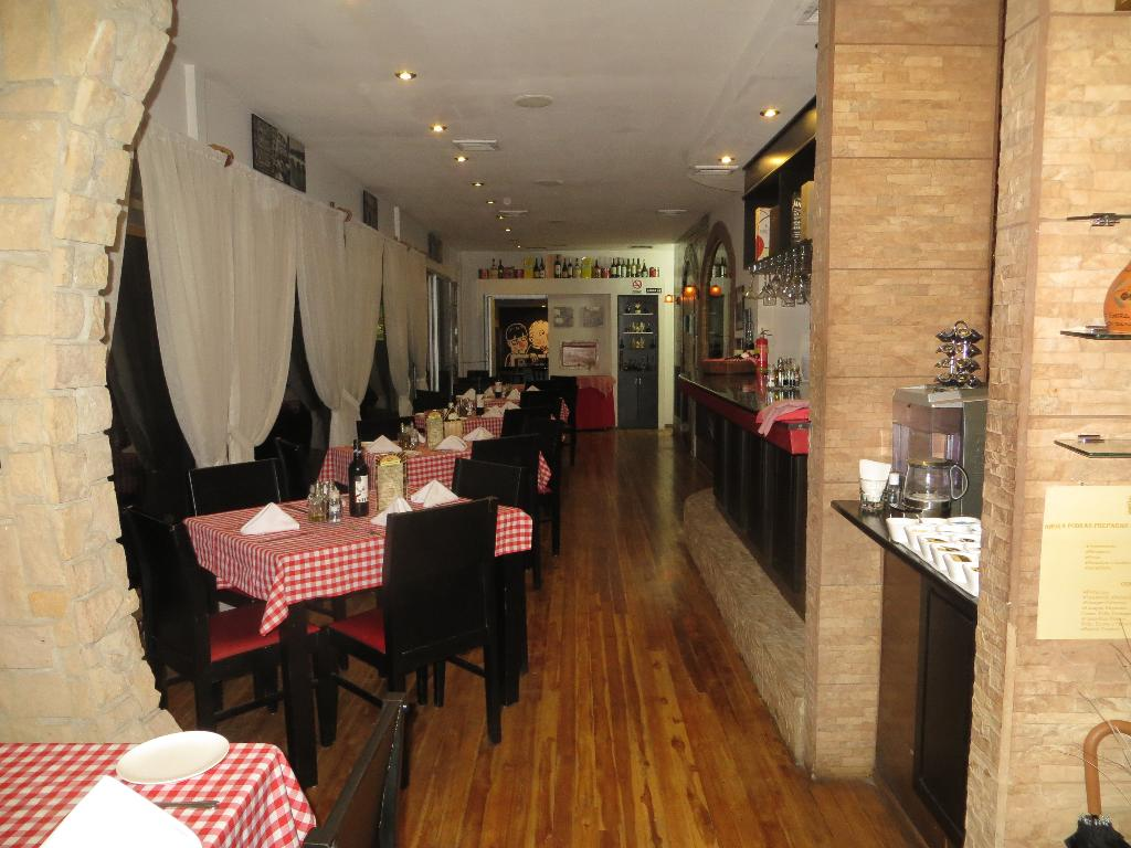 With traditional red and white tablecloths, Sapore Trattoria offers one of the most interesting Italian menus in San José.