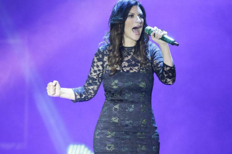 Laura Pausini, The Undisputed Queen of Romantic Pop, Delighted Costa Rica