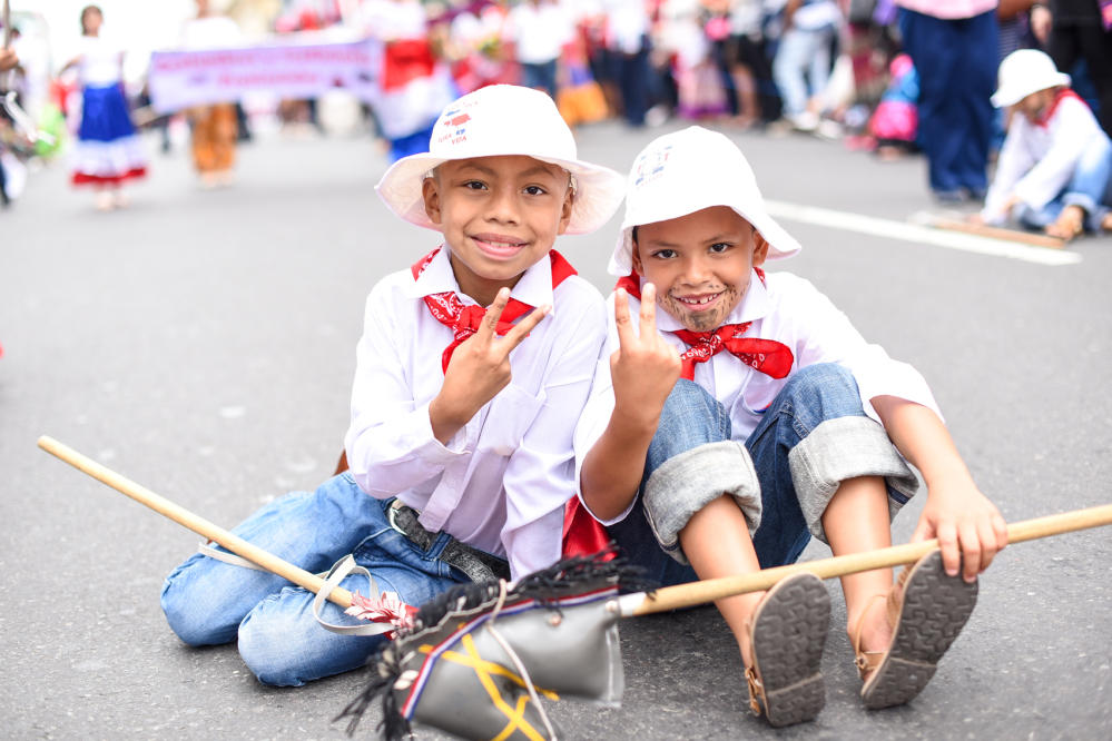 Independence Day in Costa Rica . Photo from costaricalearn.com