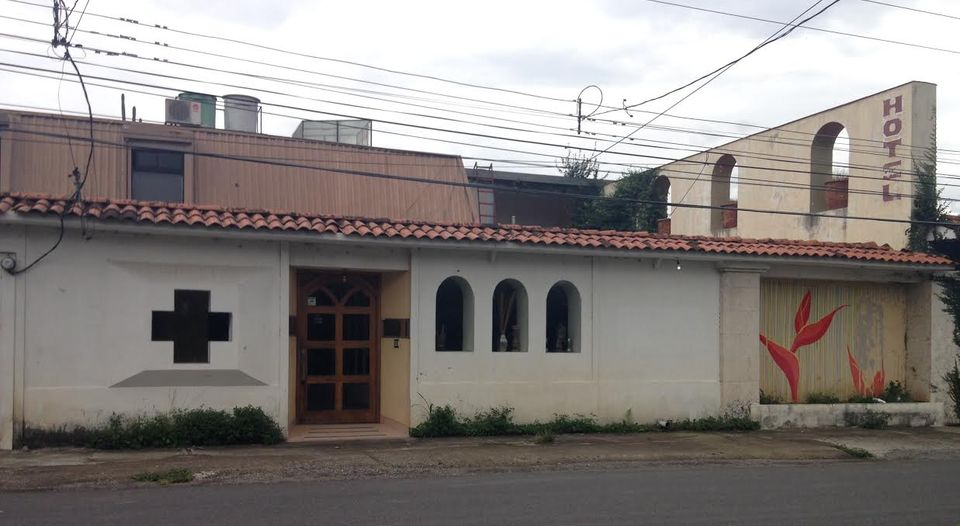 The property in Escazu where it is alleged women and alcohol were being served up to clients, including minors. Photo Natalia Rodriguez, La Nacion