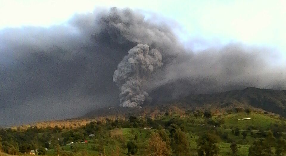 The Turrialba volcano blowing its stack. Archive photo