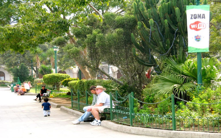 """Free Wi-Fi """"Hotpost"""" In Parks and Town Squares Project To Begin Next Year"""
