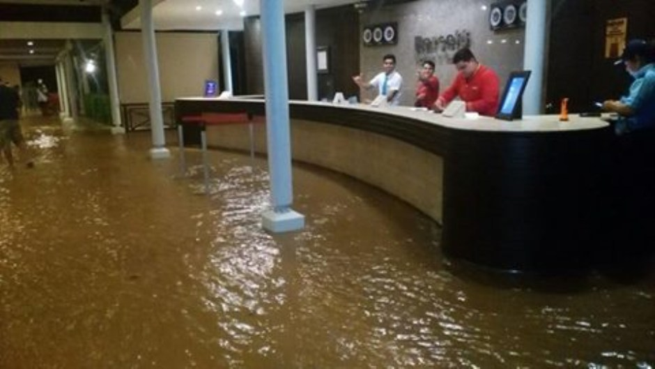The lobby and first floor of the Hotel Barcelo in Playa Tambor was flooded Monday night. Photo from Telenoticias