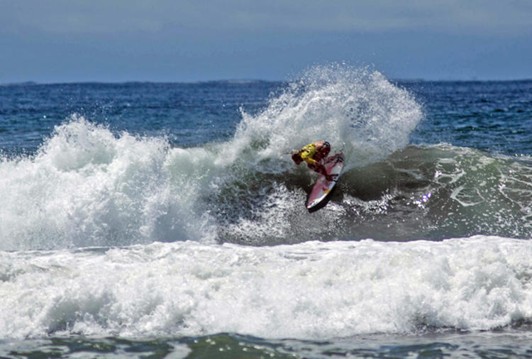 Justine Dupont in Costa Rica. Photo WSL/Pacheo