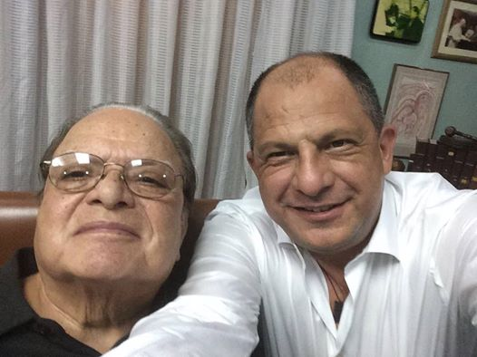 President Solis in a selfie with Monge. From Solis' Facebook plage
