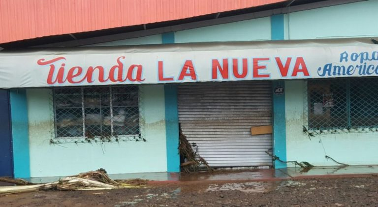 UPALA, In The Eye of The Hurricane, This Friday Morning (Photos)