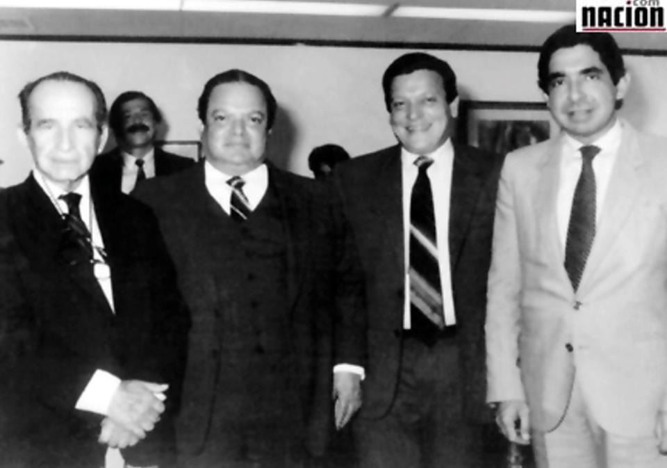 En la imagen, don Pepe Figueres, Luis Alberto Monge (segundo de izq. a der.), Rolando Araya y el expresidente Óscar Arias. (Archivo)