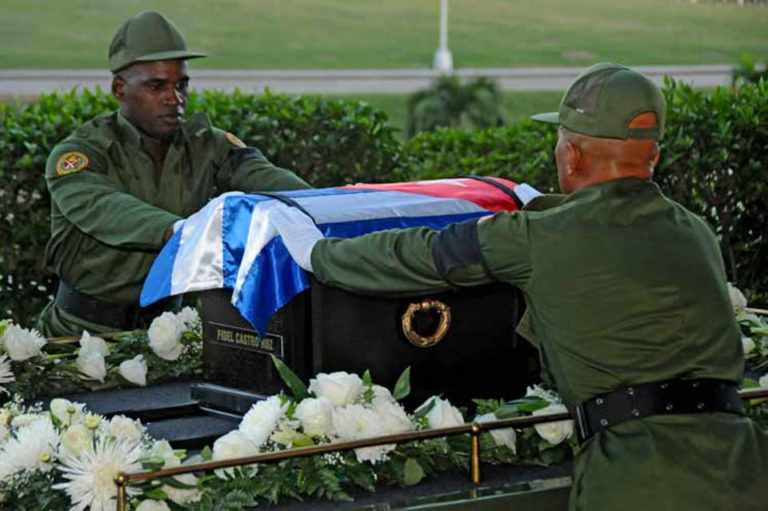 Caravan With Ashes of Fidel Castro Headed for Santiago