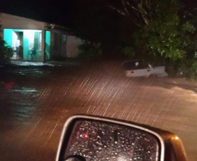 inundacones-huracan-otto-en-bagaces-1-e1480048015810