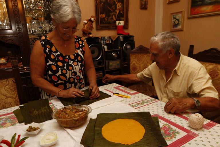 Venezuela Families Struggle To Maintain Christmas Traditions