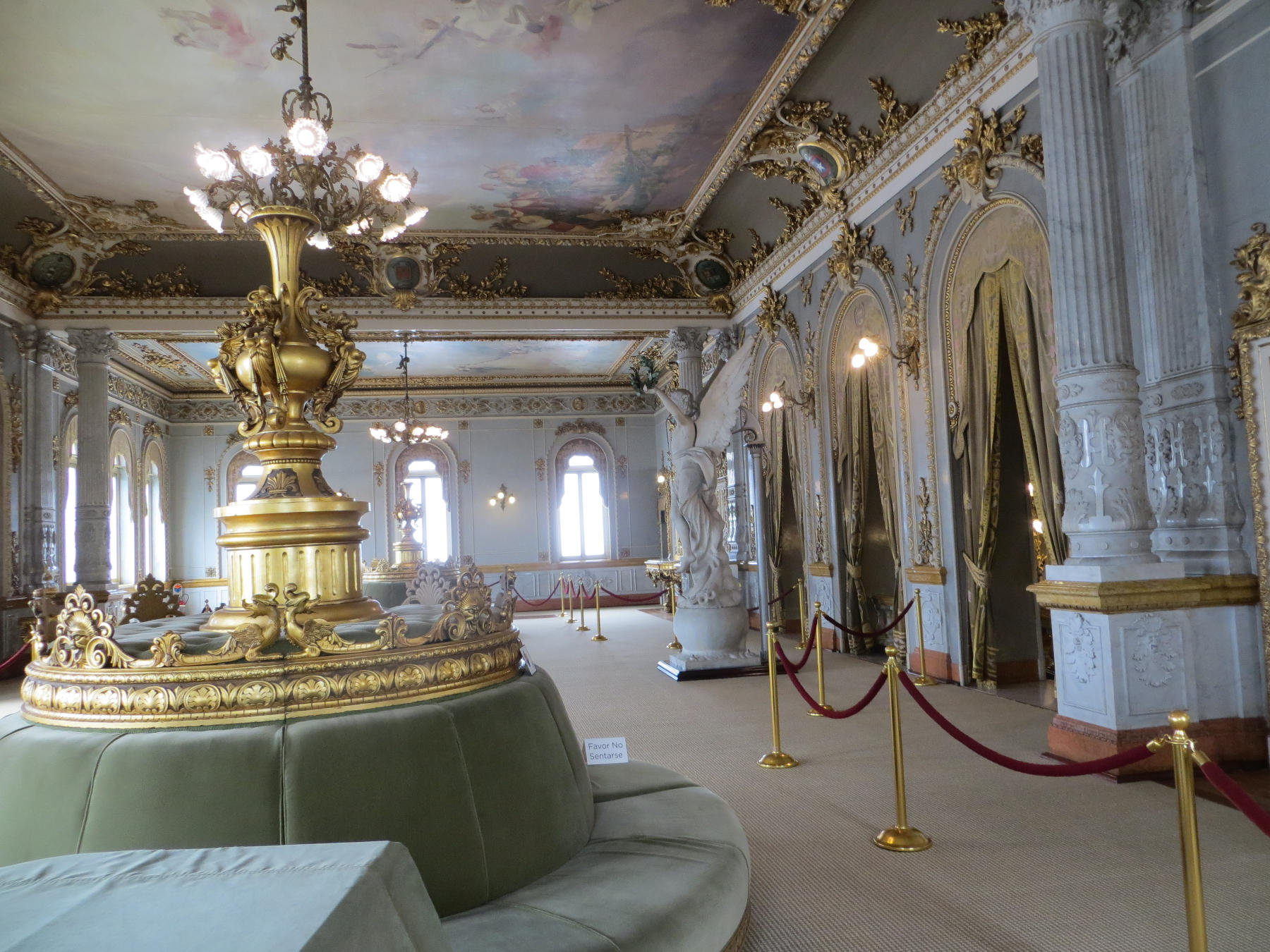 The Foyer, which is on the second floor above the lobby, is an elegant room used for receptions and recitals