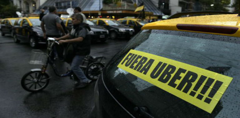 Argentinean Court Orders Nationwide Block of Uber, Denies Request to Jail Executives