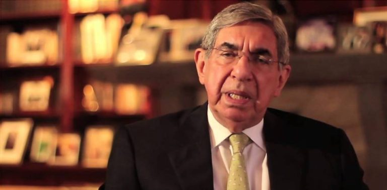 """Oscar Arias: """"To Kill A Person Is Homicide, To Kill All In A Town Of Hunger Is Called Chavismo"""""""