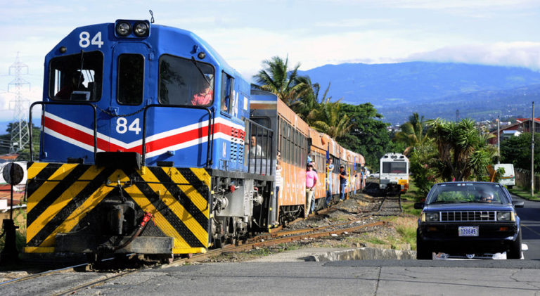 Government Wants To Raise Marchamo And Road Tolls To Finace The Commuter Train Service