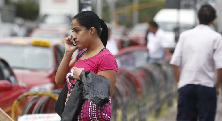 Costa Rica's Mobile Telehone Operators Have One Minute To Answer Customer Service Calls
